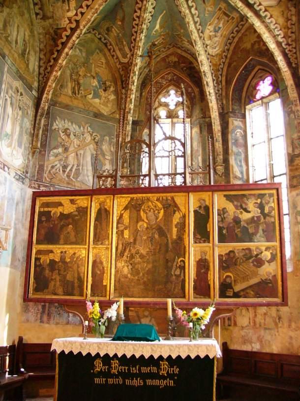 Mălăncrav - Altarul Bisericii fortificate